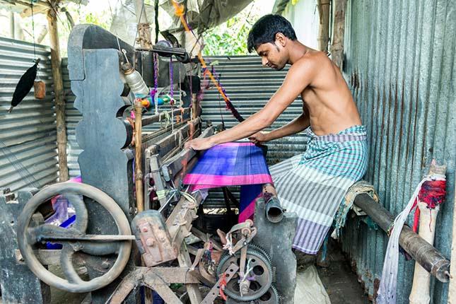 weaving_jamdani_saree