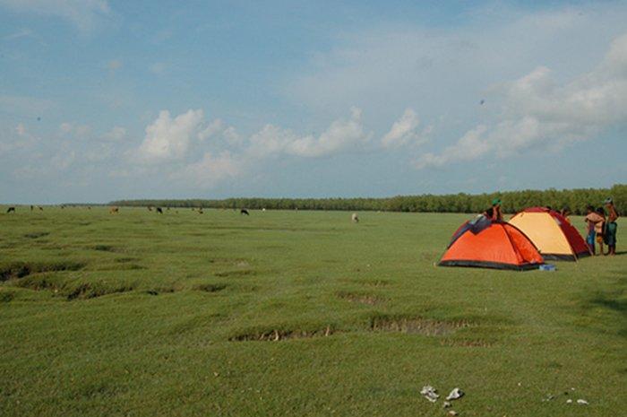 Camping Nijhum Dwip