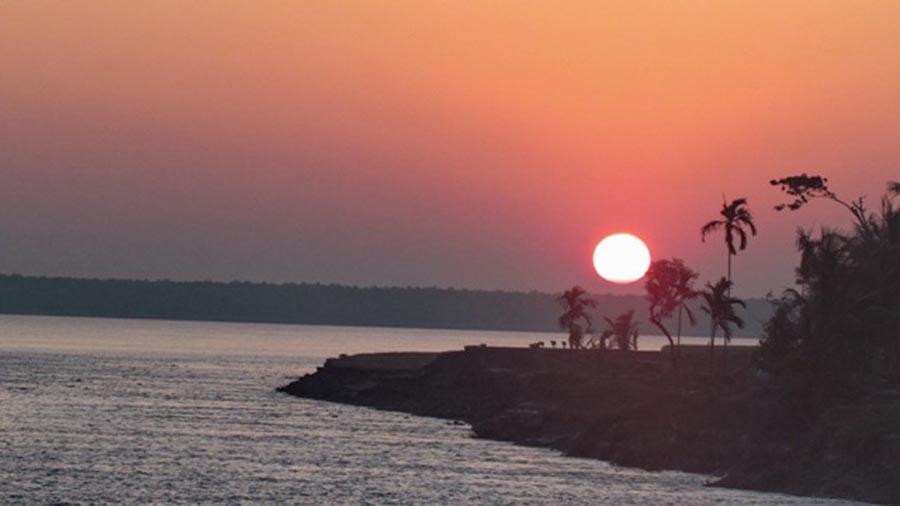 Manpura Island Sunrise Sunset