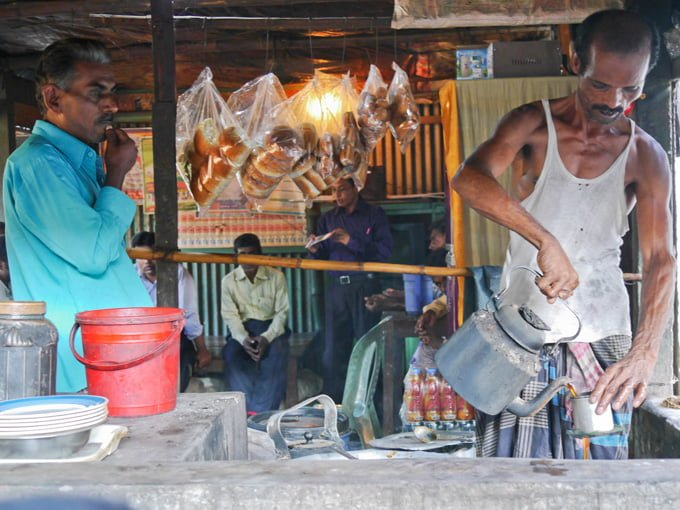 tea stalls in Dhaka