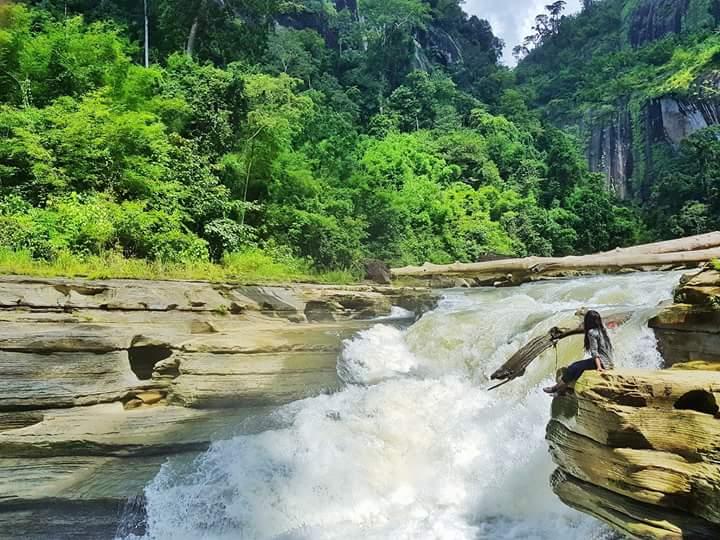 Amiakhum Water Fall