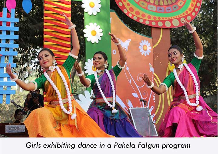 Women performing dance in Pahela Falgun