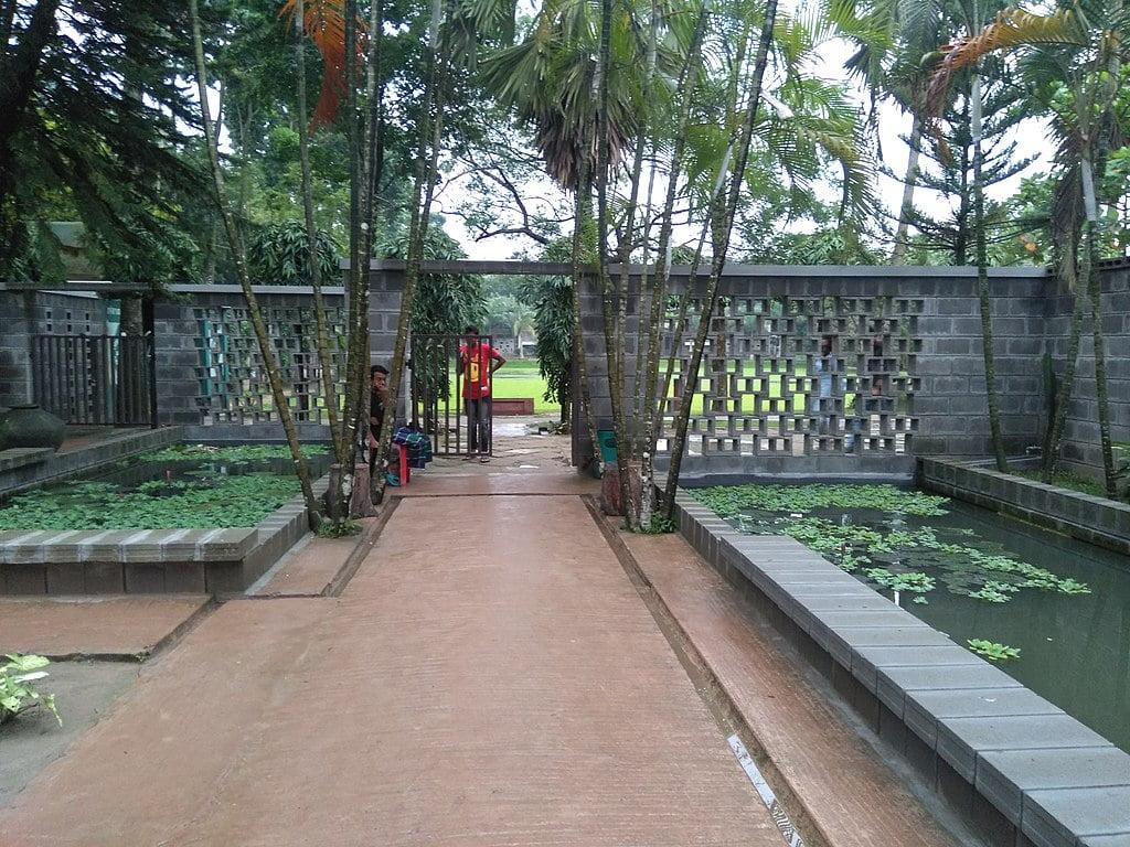 Zinda Park 1