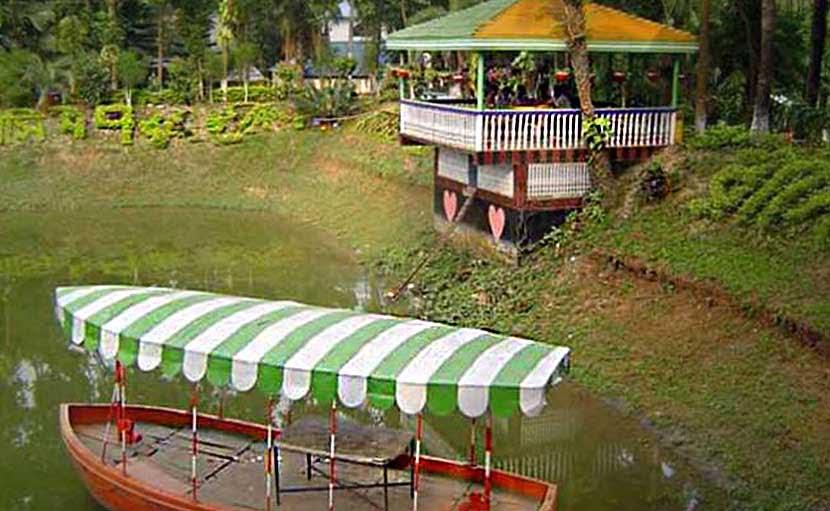 Zinda Park Boat