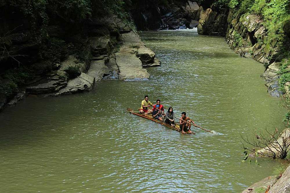 Amiakhum Waterfall Sangu River