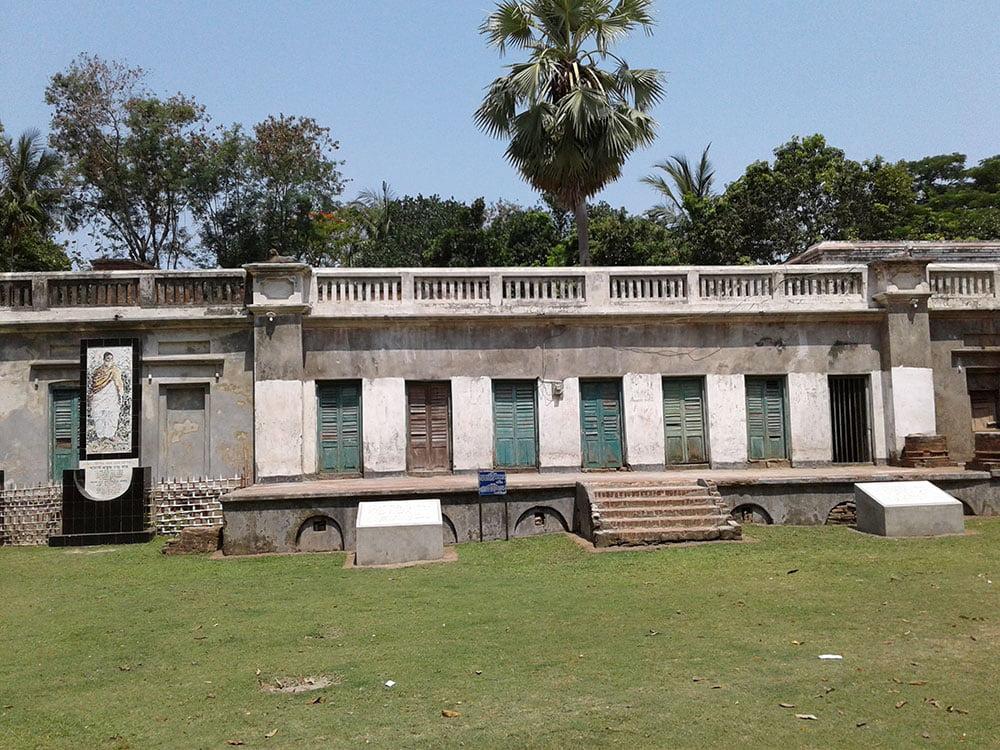 Sir PC Roy House at Raruli paikgacha khulna